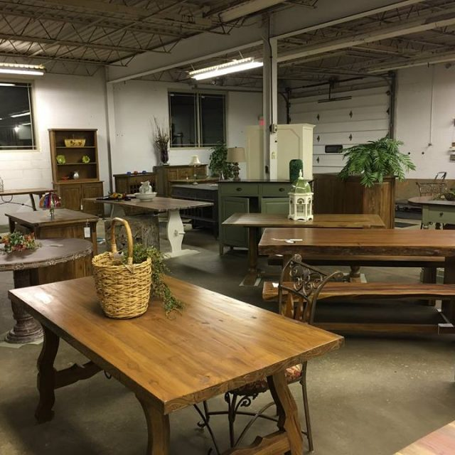 New Furniture Store Open in Willoughby